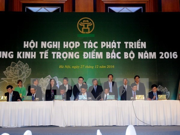 Hanoi signs cooperation deal with 14 northern provinces, cities hinh anh 1