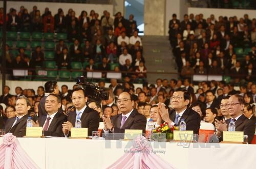PM urges Da Nang to become nation's growth momentum hinh anh 1