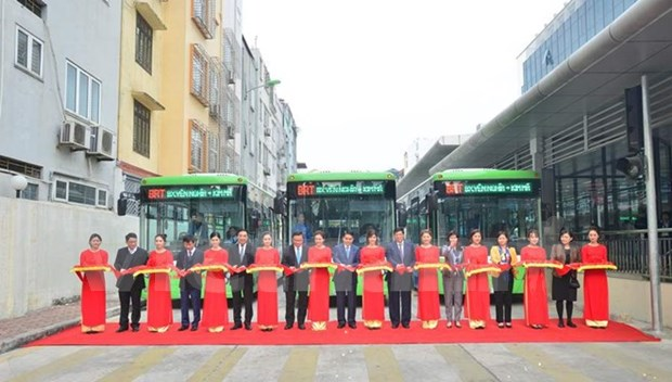 Hanoi officially launches rapid buses hinh anh 1