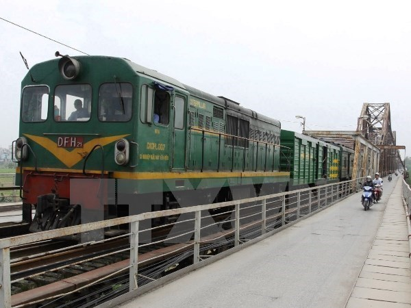 Deputy PM urges study on north-south express railway hinh anh 1