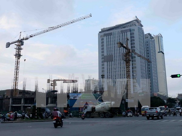 Retail, property deals dominate M&A market in 2016 hinh anh 1