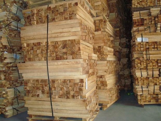 Chinese buyers depleting Vietnam's raw lumber hinh anh 1