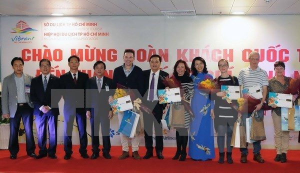 HCM City releases code of conduct for tourists hinh anh 1