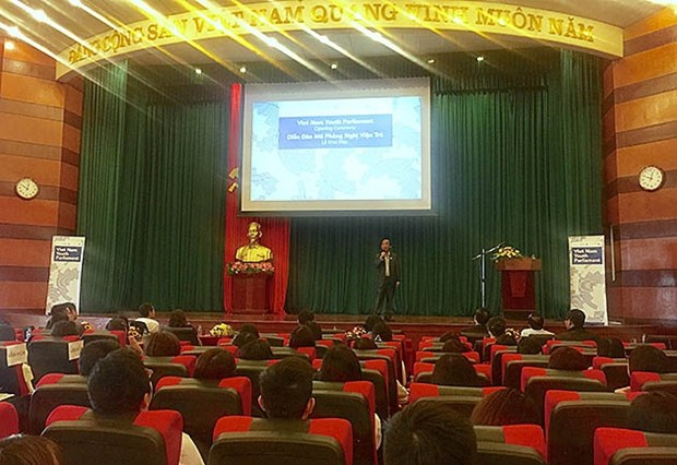 Mock youth parliament promotes youngsters' role in lawmaking process hinh anh 1