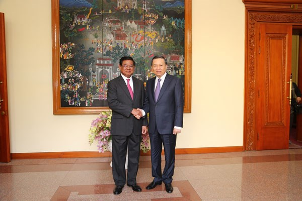 Vietnam, Cambodia exchange information to deter crime hinh anh 1