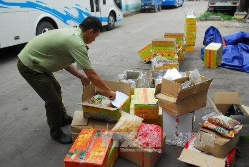 HCM City launches Tet food complaint line hinh anh 1