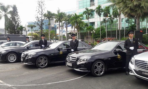 Car rental prices to double during Tet holiday hinh anh 1