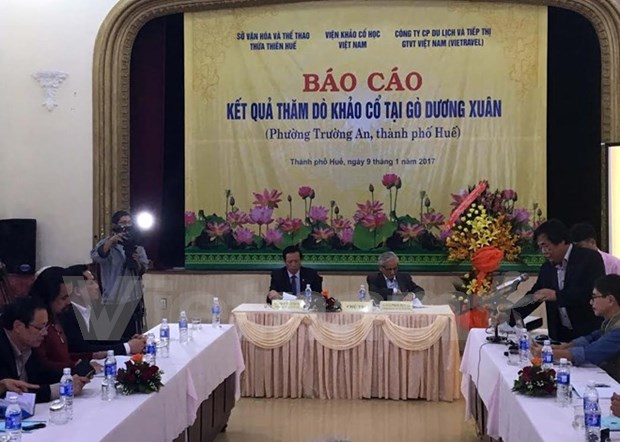 Archaeologists unveil initial findings of Duong Xuan Mound in Hue city hinh anh 1