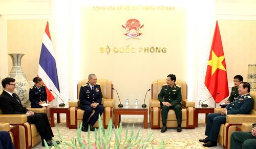 Vietnam, Thailand expand defence cooperation hinh anh 1