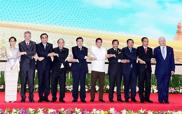 ASEAN remains a focus in Indonesia's external policy hinh anh 1
