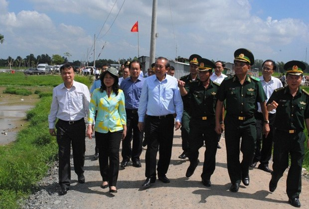 An Giang urged to intensify fight against smuggling hinh anh 1