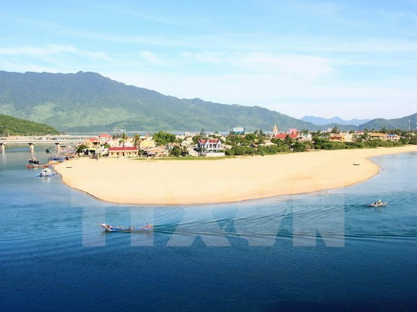 Thua Thien – Hue calls for Singaporean investment in tourism, seaport hinh anh 1