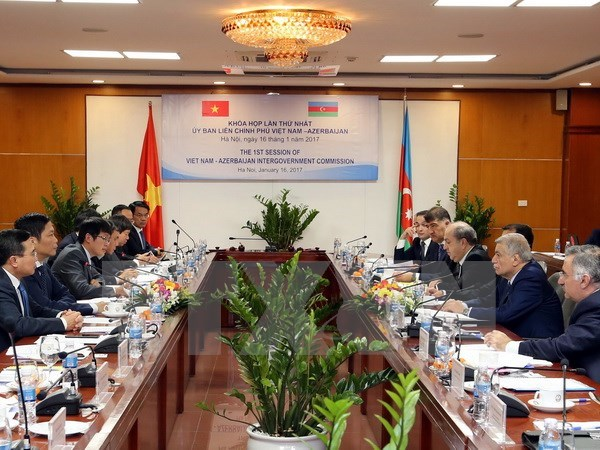 Vietnam, Azerbaijan to push ties in diverse areas hinh anh 1