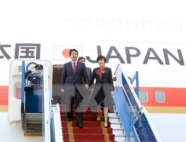 Japanese PM wraps up Vietnam visit hinh anh 1