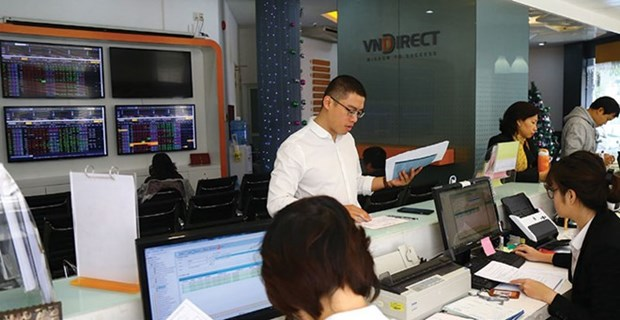 Banks lead Vietnam stock markets hinh anh 1