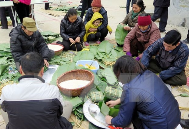 Chung cake trade village busy before Tet hinh anh 1