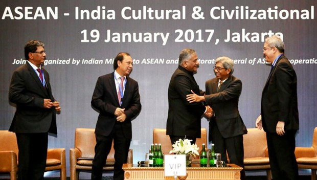 India, ASEAN reaffirm commitment to boost cooperation hinh anh 1