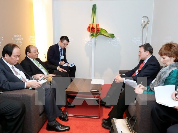 Vietnamese PM highlights impacts of Industry 4.0 in Davos hinh anh 2