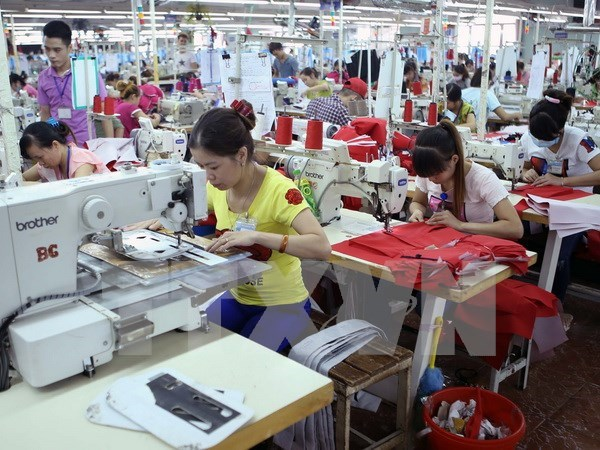 Listed enterprises expect high growth in new year hinh anh 1