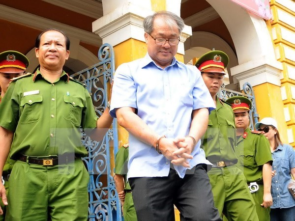 Higher court upholds 30-year jail term for former bank executive hinh anh 1