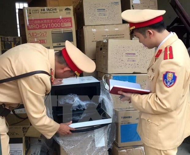 370,000 cases of traffic violations discovered hinh anh 1