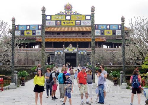Vietnam welcomes over 1 million foreign visitors in January hinh anh 1
