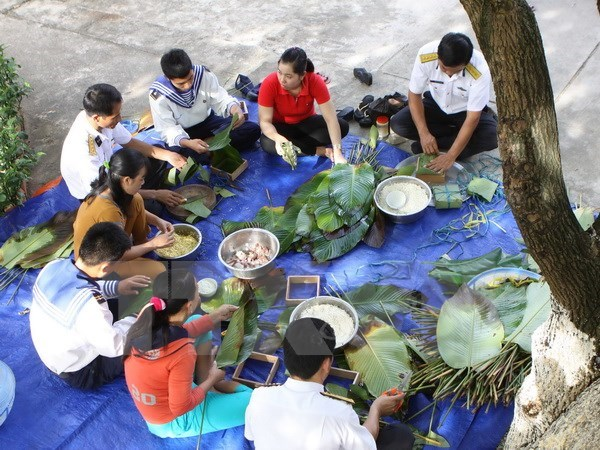 Khanh Hoa: New Year wish extended to residents, soldiers in Truong Sa hinh anh 1