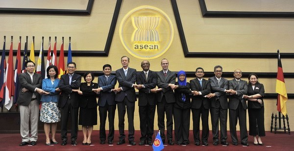 ASEAN, Germany discuss reinforcing ties hinh anh 1