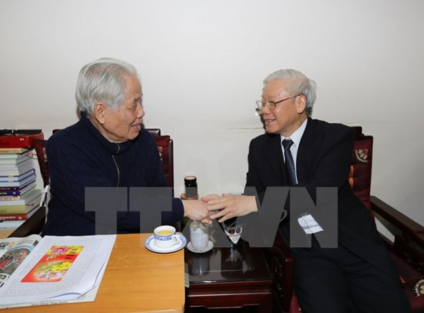 Party chief pays Tet calls to former Party, State leaders hinh anh 1