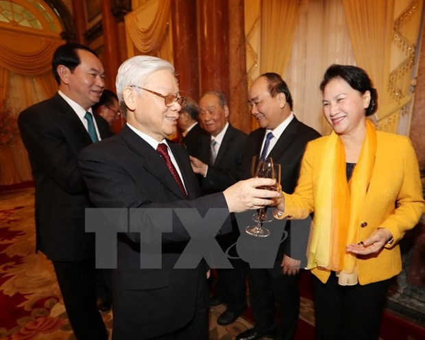 Party leader extends New Year wishes hinh anh 1