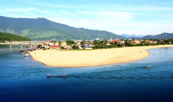 Thua Thien – Hue develops Lang Co tourism trademark hinh anh 1