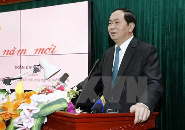 President visits outstanding intellectuals in Hanoi hinh anh 1