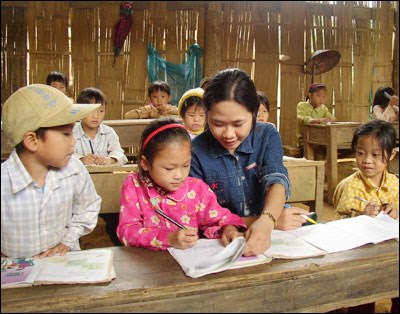 Teacher brings education to southernmost island students hinh anh 1