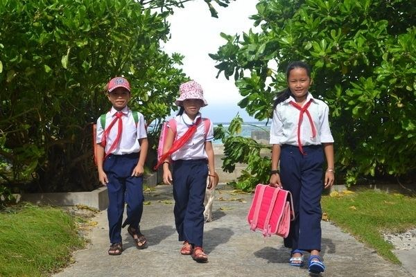 Island teacher inspires students hinh anh 1