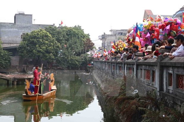 Localities embrace Lunar New Year to lure visitors hinh anh 1
