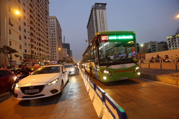 380,000 passengers travel by BRT in January hinh anh 1