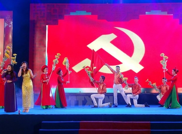 Laos, Cambodia congratulate Vietnam on Party's founding anniversary hinh anh 1