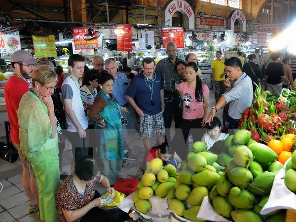 Travel increases during Tet holiday in many localities hinh anh 1