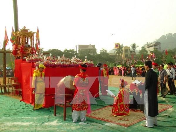 Long Tong festival in Tuyen Quang draws crowd hinh anh 1