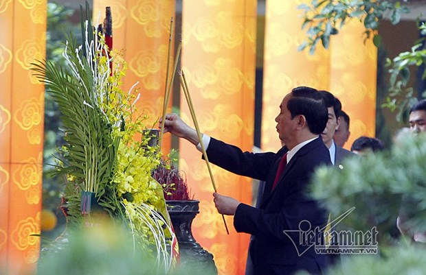 President offers incense at imperial citadel in Hanoi hinh anh 1