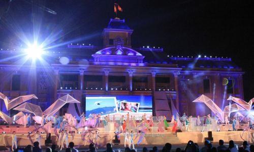 Khanh Hoa starts sea festival logo contest hinh anh 1