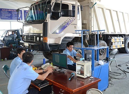 Cameras coming to vehicle-registration centres hinh anh 1