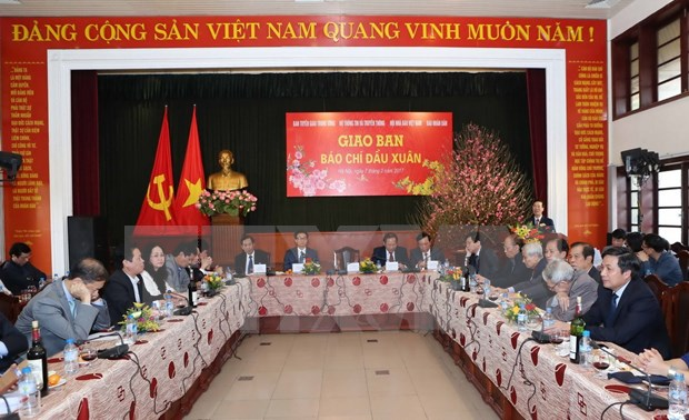 Deputy PM urges press to promote innovation, creativity hinh anh 1
