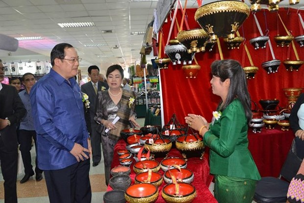 Lao, French firms seek to boost trade, investment links hinh anh 1