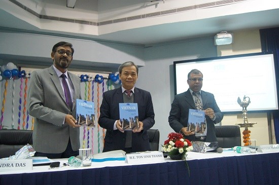 Book on Vietnam's economic development debuts in India hinh anh 1