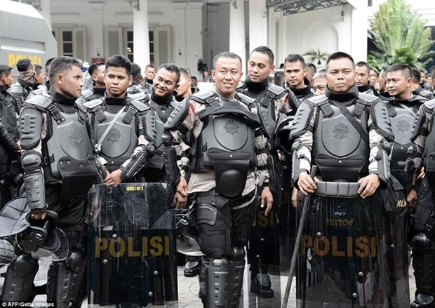 Indonesia: 75,000 policemen deployed for local elections hinh anh 1