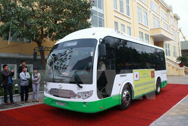 Hai Phong to pilot solar-powered buses on Cat Ba Island hinh anh 1