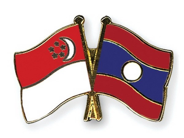 Lao FM visits Singapore to foster bilateral ties hinh anh 1