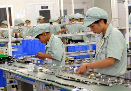 Ha Nam works to remove labour difficulties for FDI businesses hinh anh 1