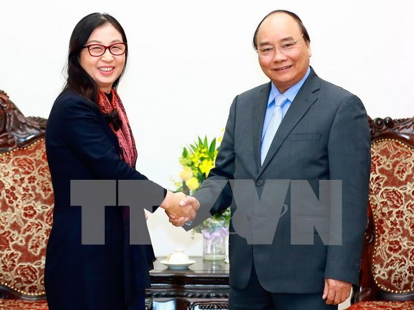 PM lauds Huawei Group's contribution to IT growth in Vietnam hinh anh 1